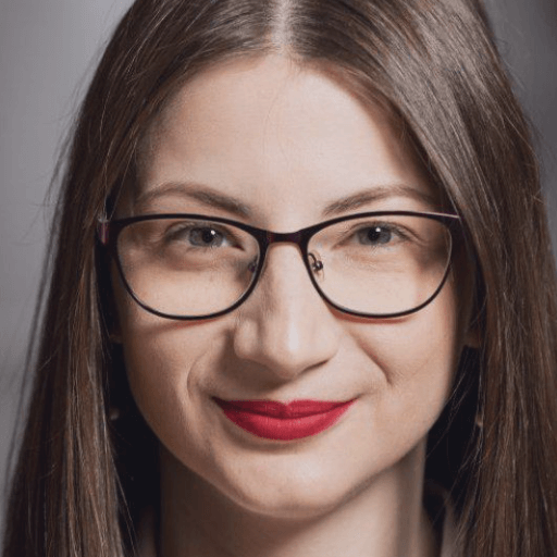 Lavinia Maximencu medic specialist chirurgie plastica, clinica Medestet Cluj